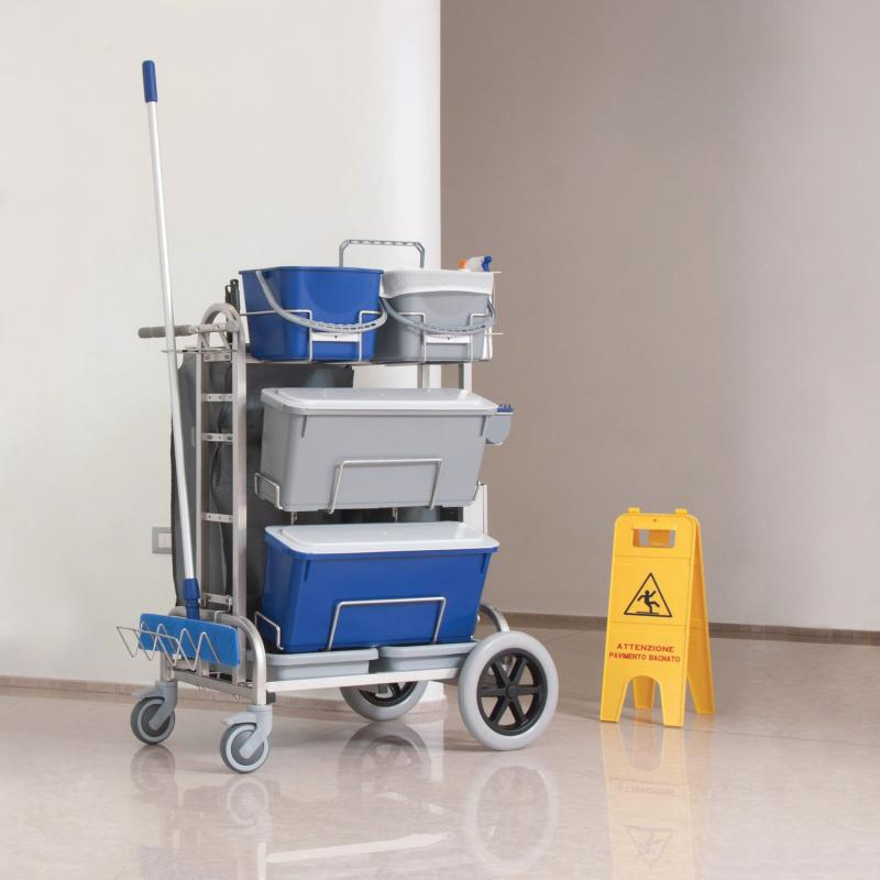 Microrapid cleaning trolley for hospital